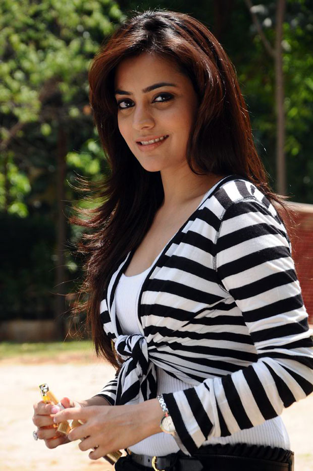 Nisha Agarwal Beautiful Pics