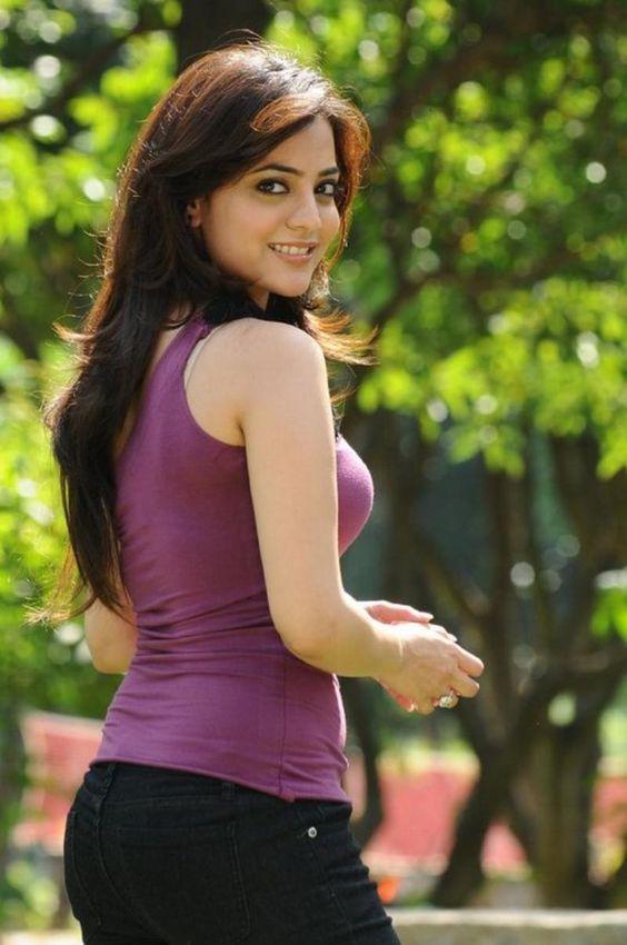 Nisha Agarwal Hot Backside Images