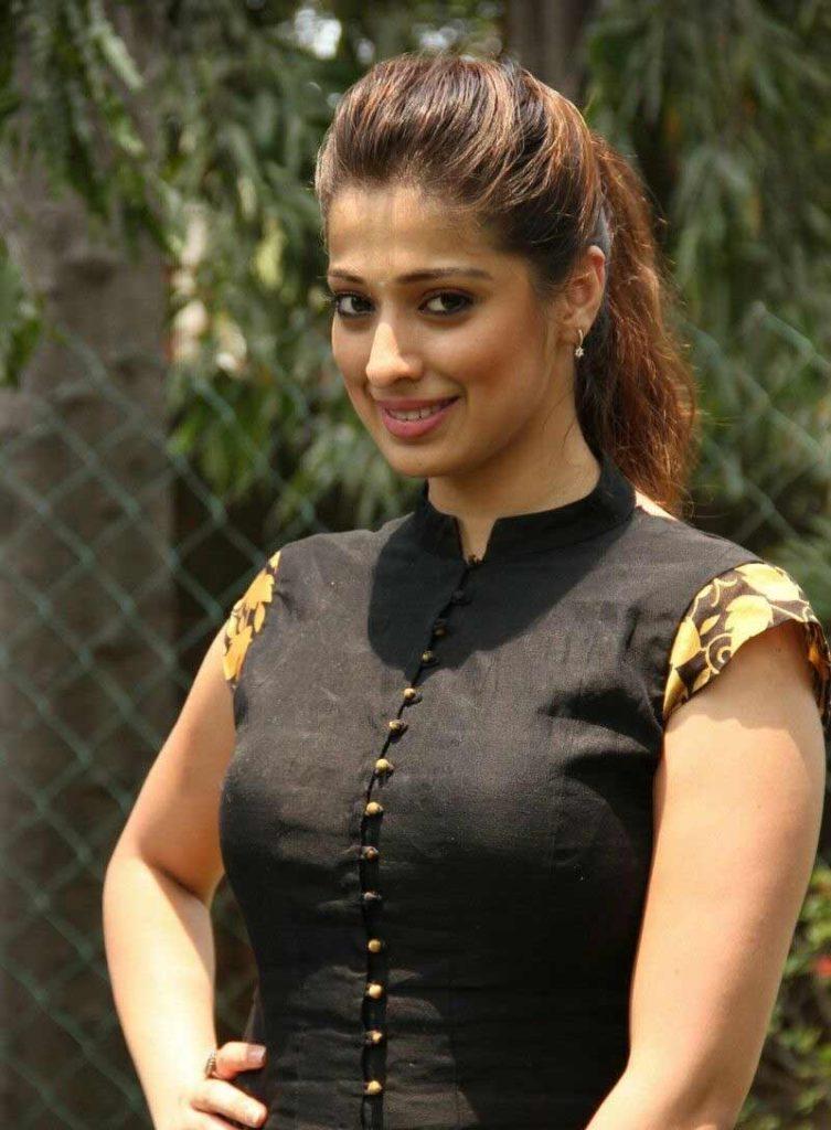 Raai Laxmi New Look Pictures