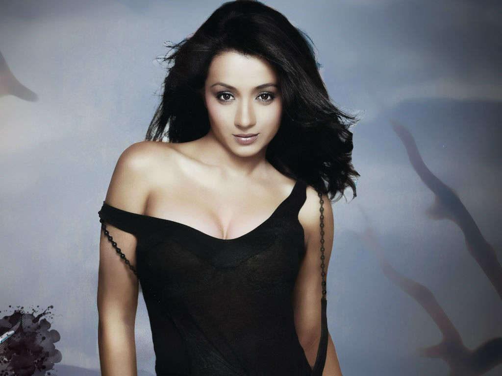 Trisha Krishnan Hot & Sexy Boobs Show Images