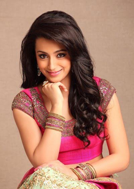 Trisha Krishnan Hot & Sizzling Wallpapers