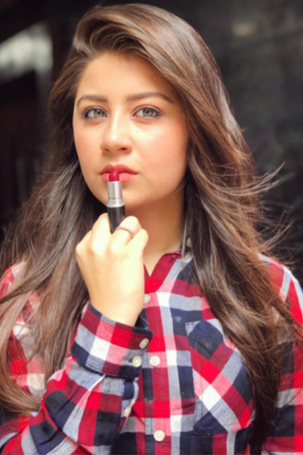 Aditi Bhatia Hot & Sexy Images