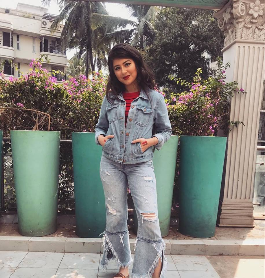 Aditi Bhatia Images In Jeans Top