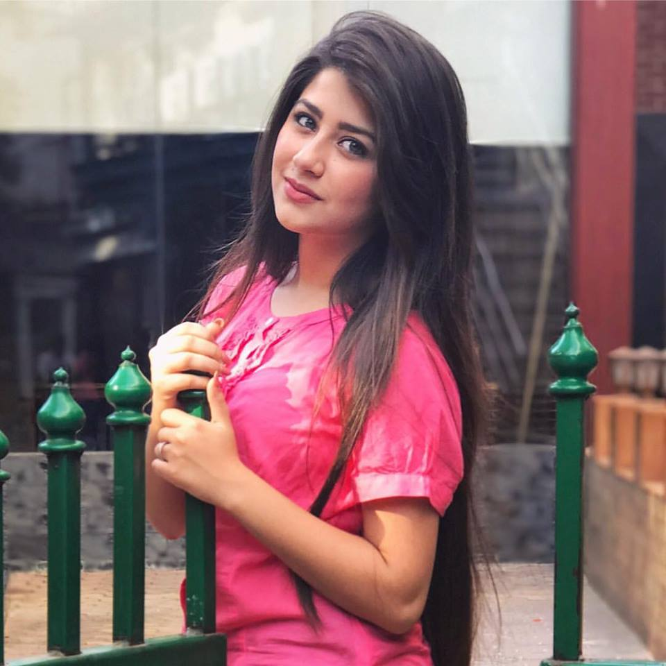 Aditi Bhatia Latest Hair Style Photoshoots