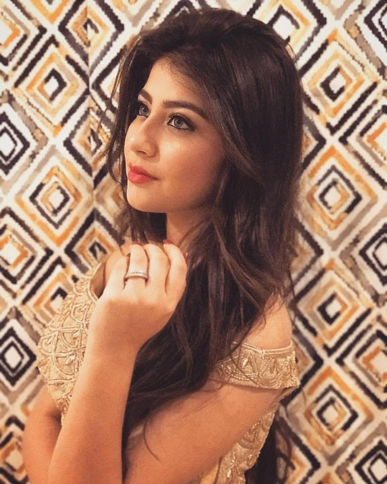 Aditi Bhatia New & Nice Photos