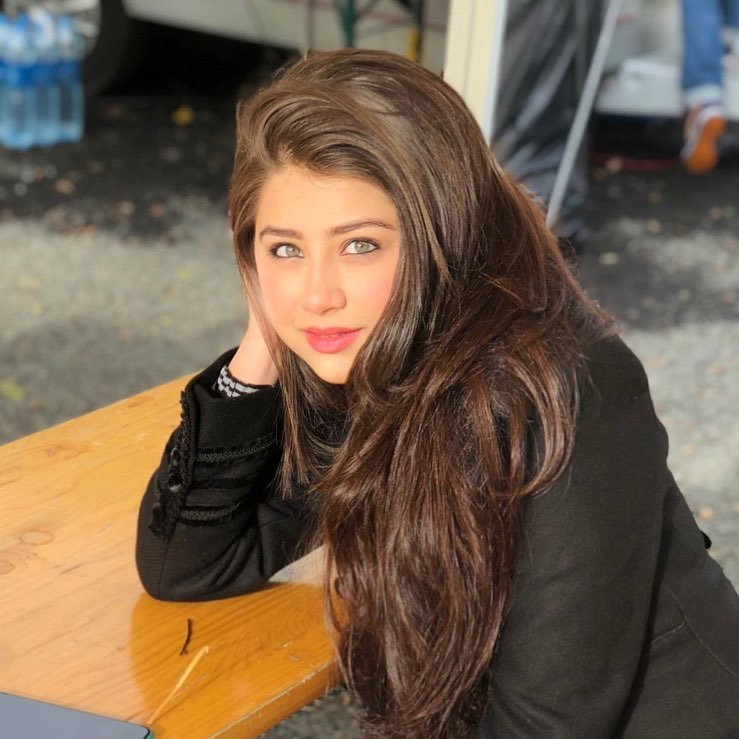 Aditi Bhatia Spicy & Sizzling Wallpapers