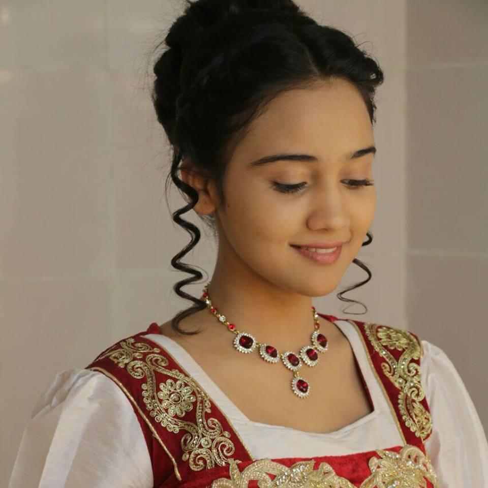 Ashi Singh Beautiful Images