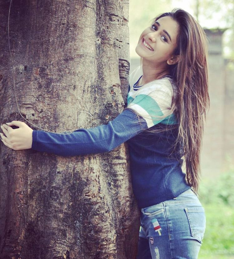 Ashi Singh Pictures In Jeans Top