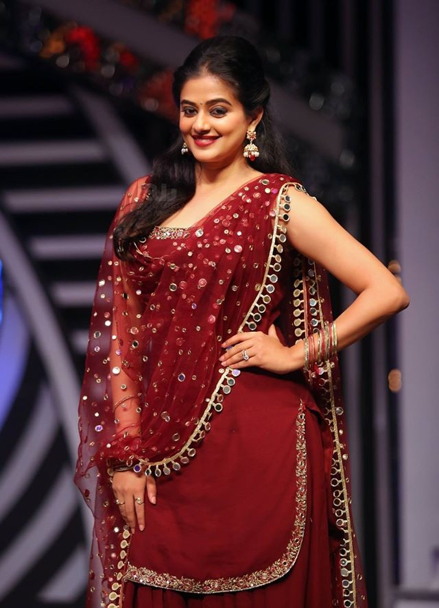 Priyamani Charming & Attractive Images