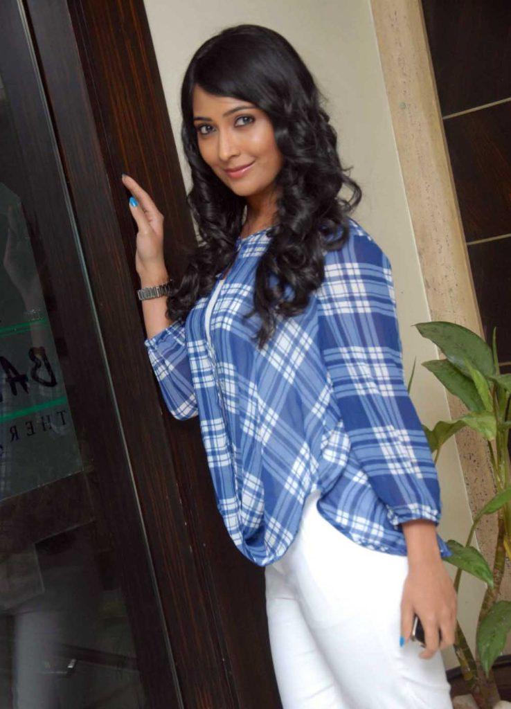 Radhika Pandit Attractive Photoshoots