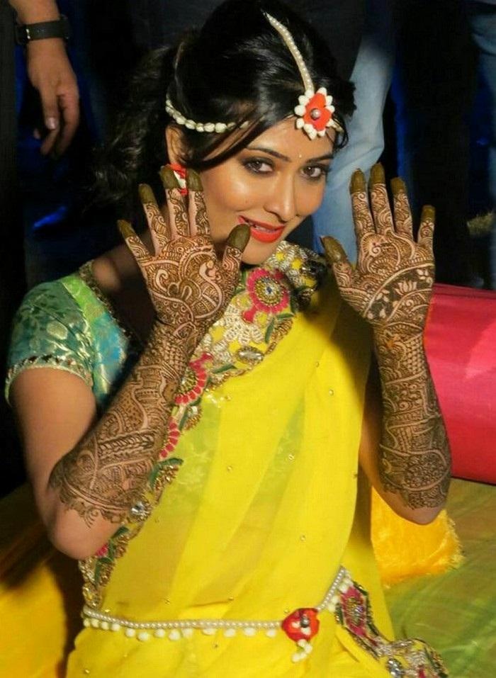 Radhika Pandit Images For Desktop