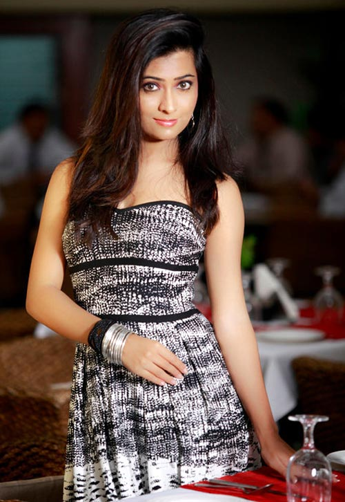 Radhika Pandit Images
