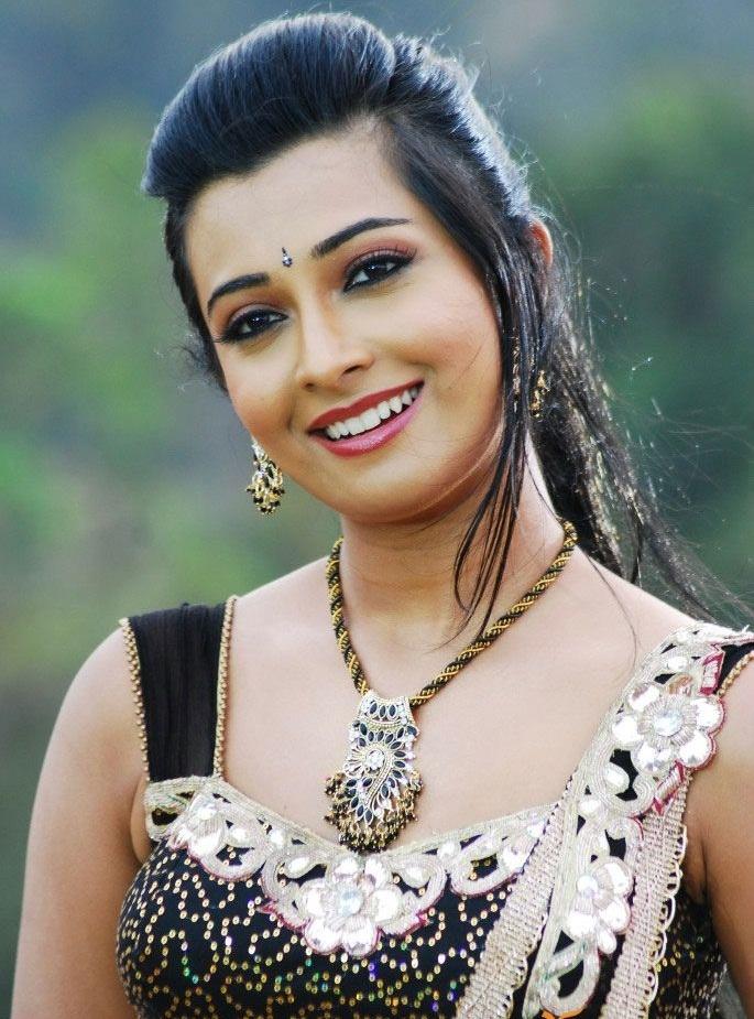 Radhika Pandit Pictures