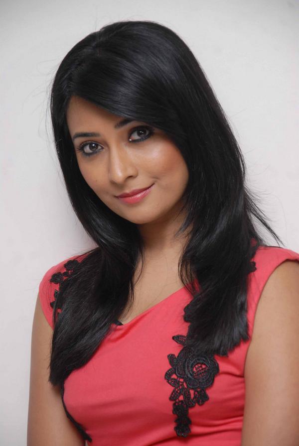 Radhika Pandit Unseen Wallpapers