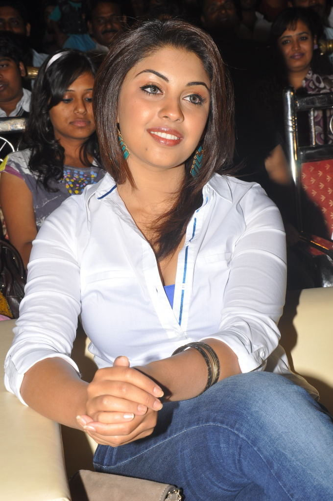 Richa Gangopadhyay Attractive Images In Jeans Top At Event