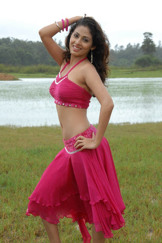 Sadha Charming & Attractive Images