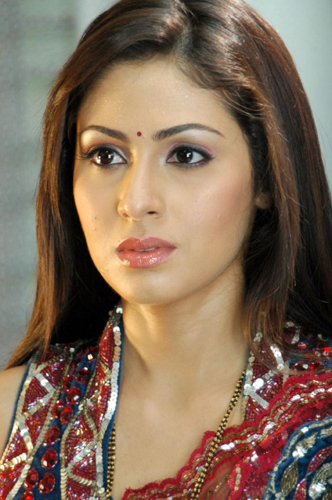 Sadha Charming Wallpapers