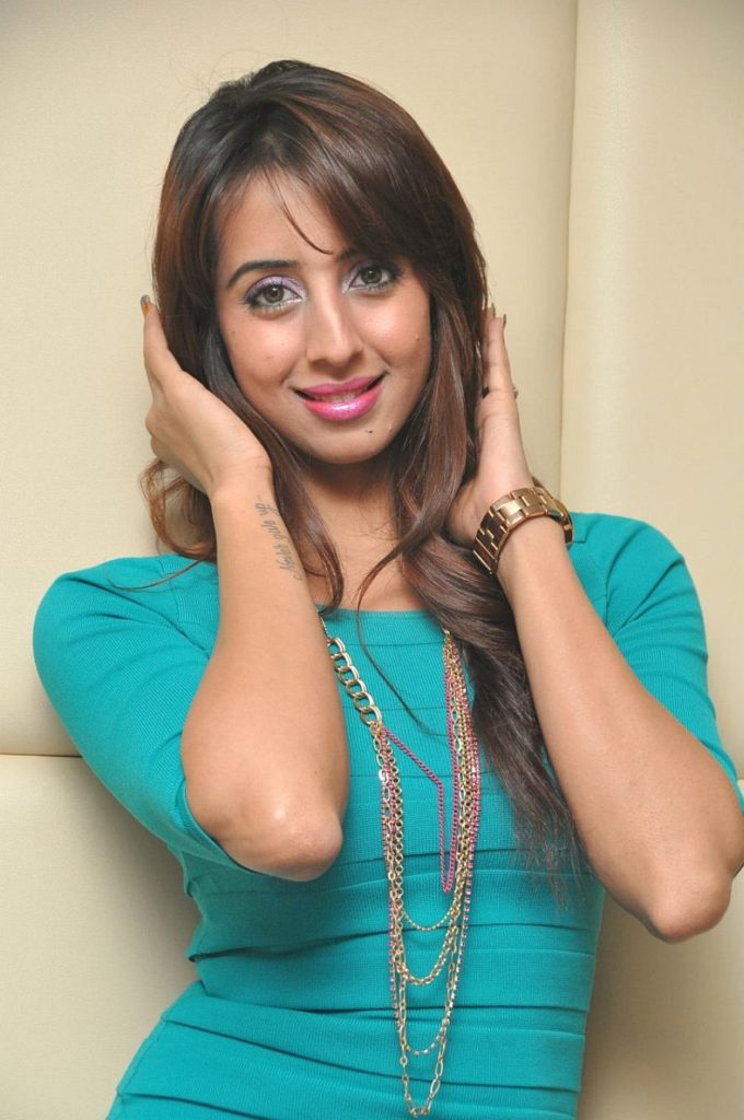 Sanjjanaa Archana Galrani Charming Images