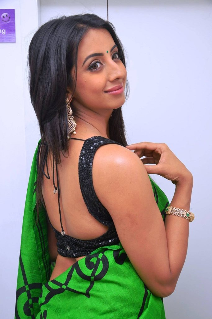 Sanjjanaa Archana Galrani Images Download