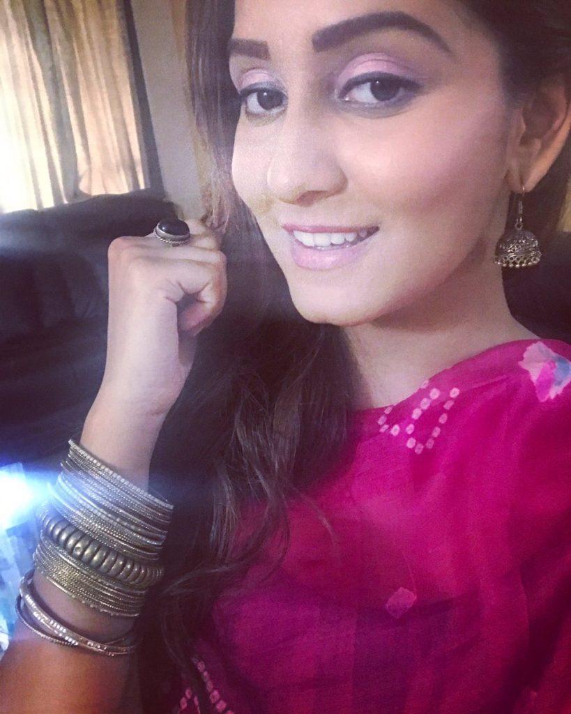 Srishti Jain Attractive & Charming Photos
