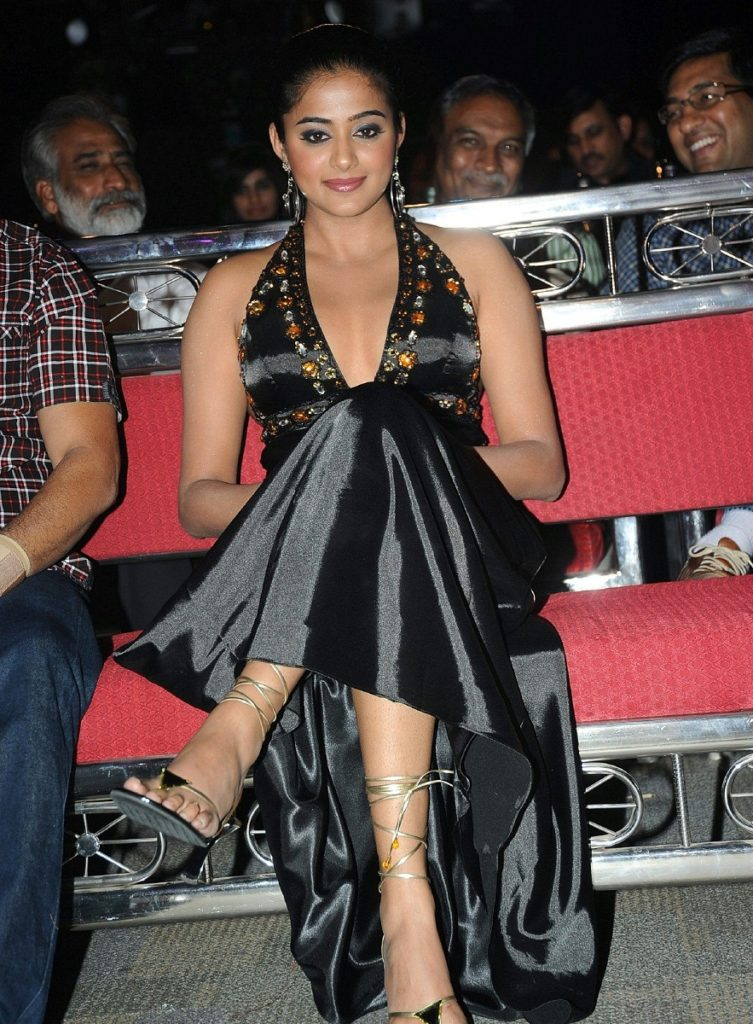 Tollywood Actress Priyamani Photos