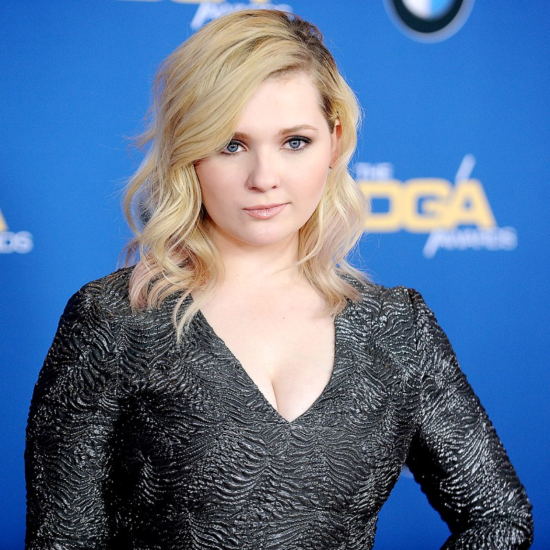 Abigail Breslin Images At Award Show