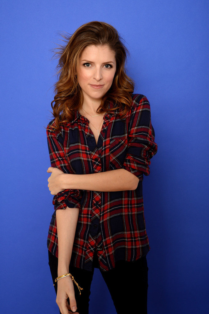 Anna Kendrick Sexy & Hot Wallpapers