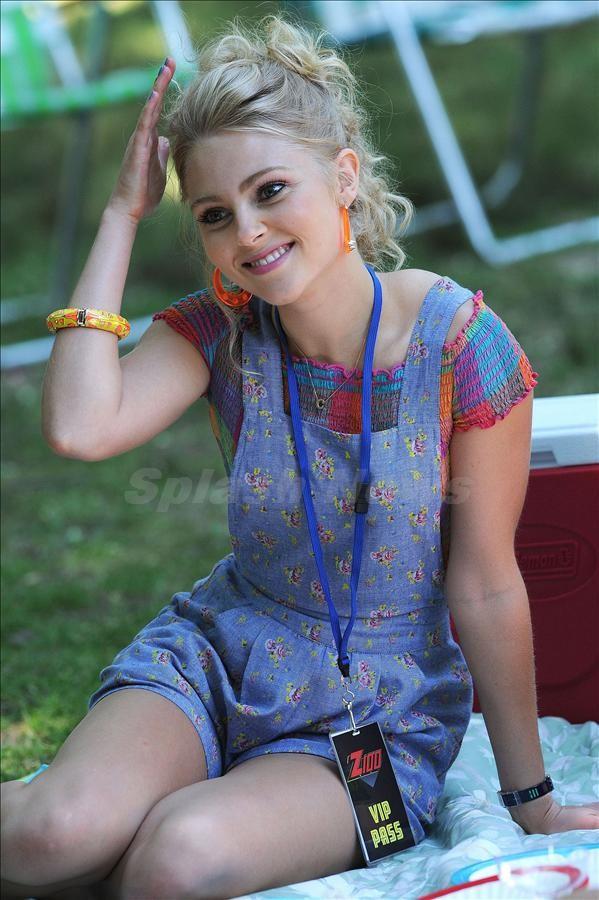 AnnaSophia Robb Beautiful Images Download