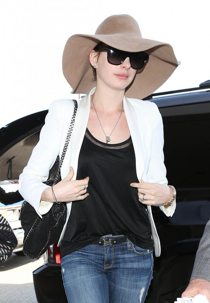 Anne Hathaway Images With Hat