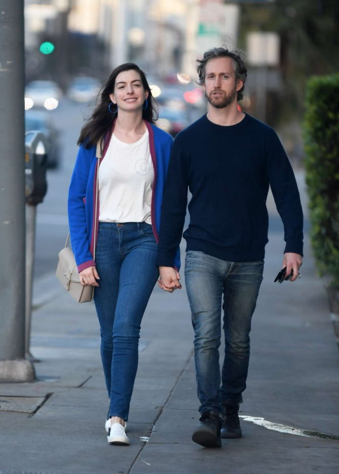 Anne Hathaway Images With His Boyfriend