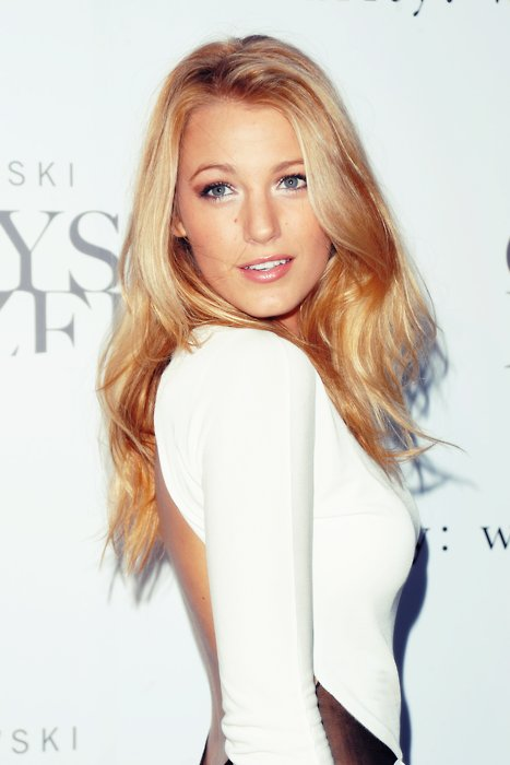 Blake Lively Sexy Images