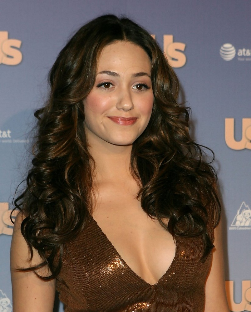 Emmy Rossum Hot Boobs Showing Photoshoots At Award Show