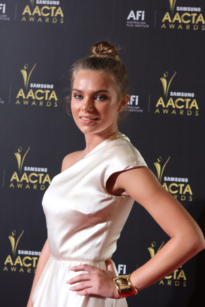 Gorgeous Indiana Evans Images