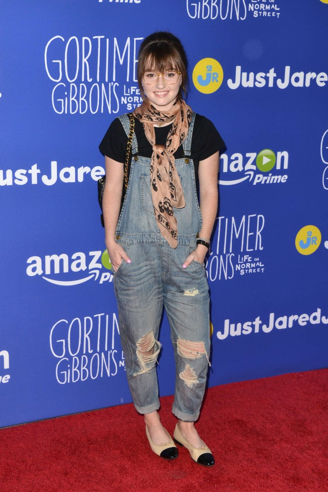 Hollywood Actress Kaitlyn Dever Images