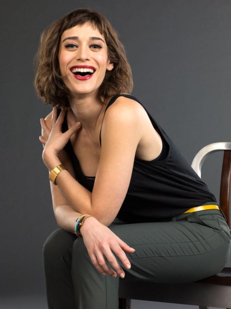 Hollywood Actress Lizzy Caplan Photos