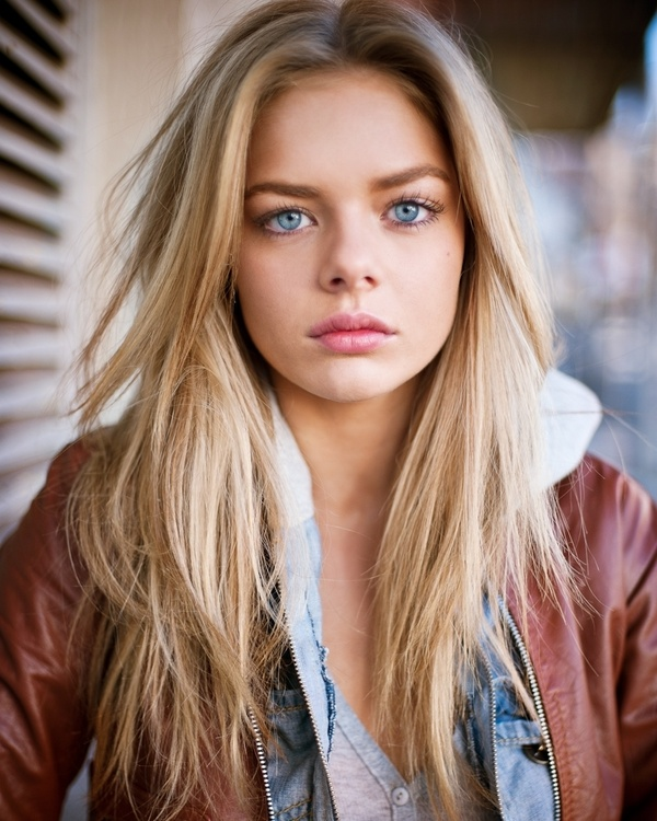Indiana Evans Bold Images