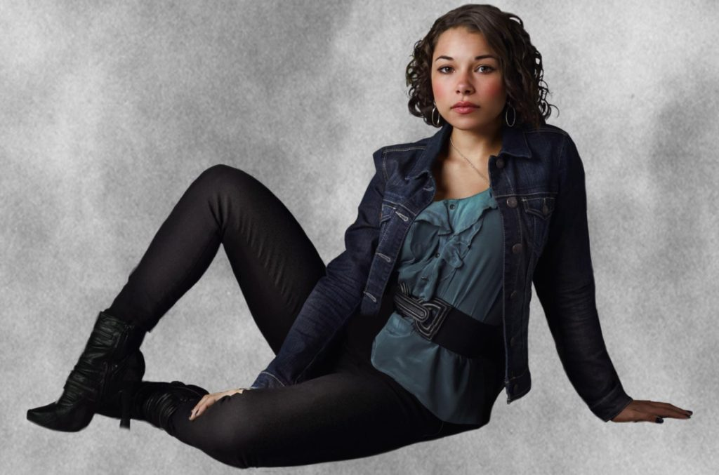 Jessica Parker Kennedy Images In Jeans Top