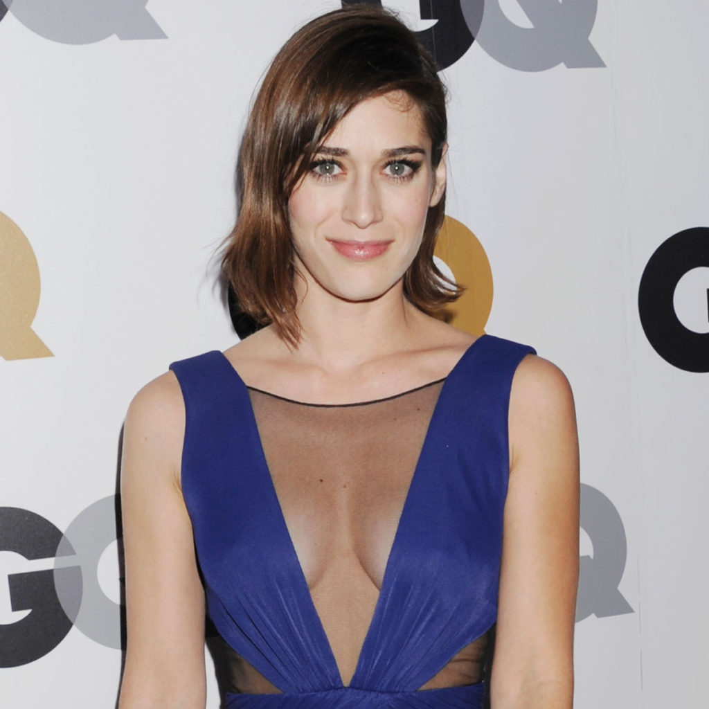 Lizzy Caplan Hot & Sexy Boobs Showing Images