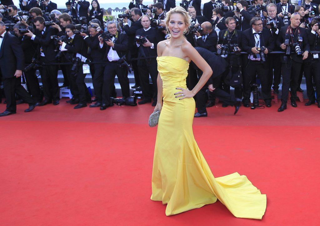 Luisana Lopilato Sizzling Photos At Award Show