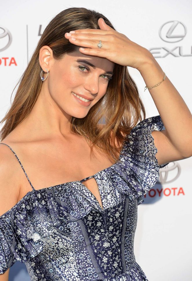 Lyndsy Fonseca Attractive & Charming Pictures