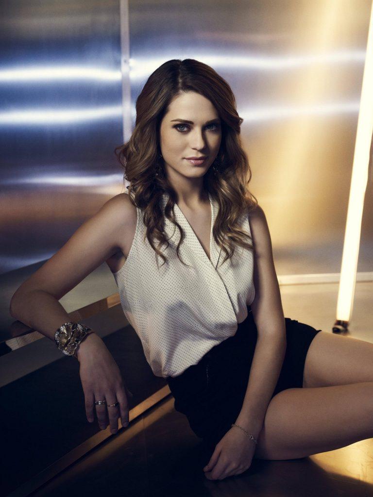 Lyndsy Fonseca Hot Photos In Bra Panty