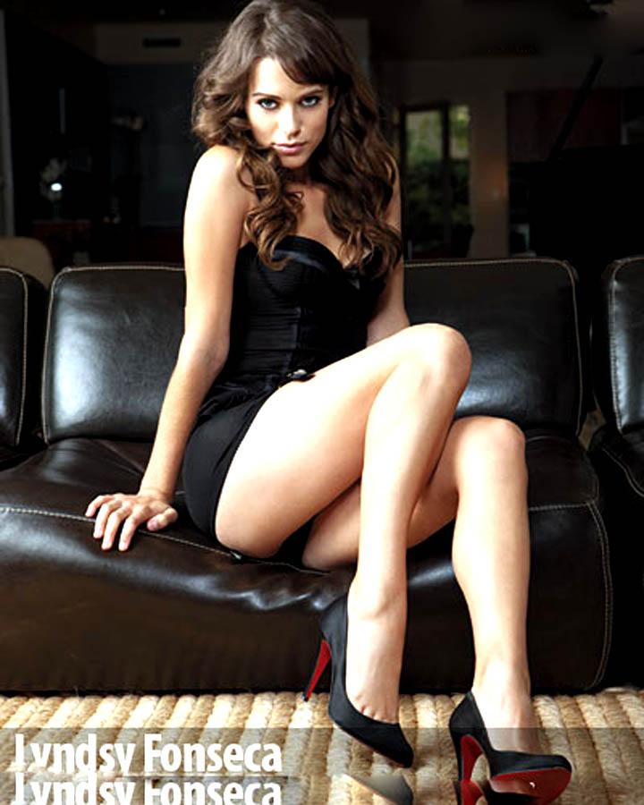 Lyndsy Fonseca Photos For Profile Pics