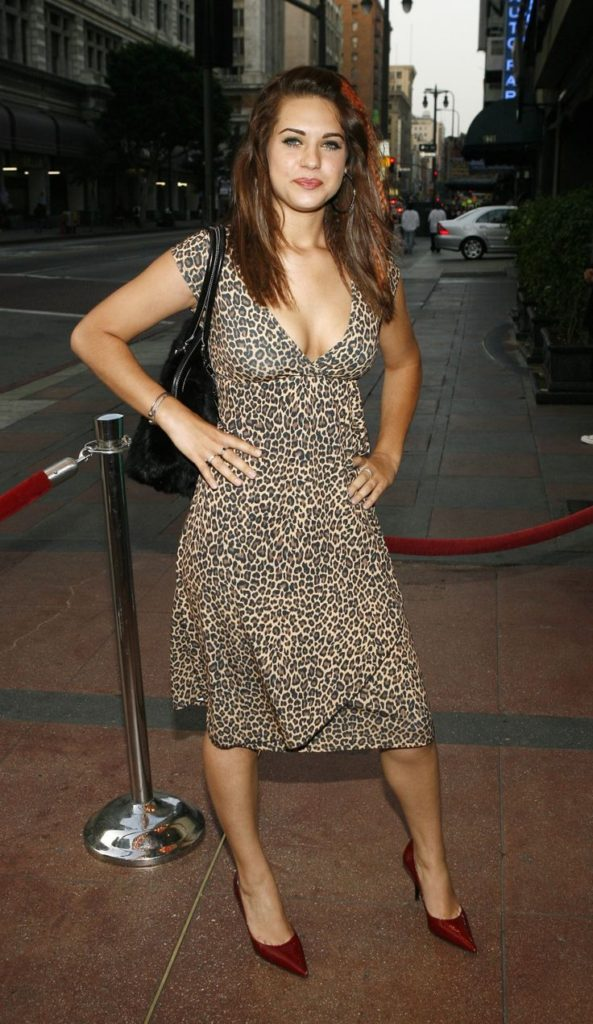 Lyndsy Fonseca Sexy Images In Short Dress