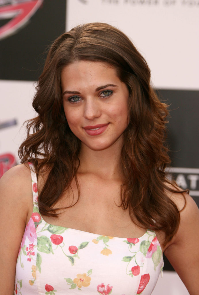 Lyndsy Fonseca Sizzling & Spicy Images