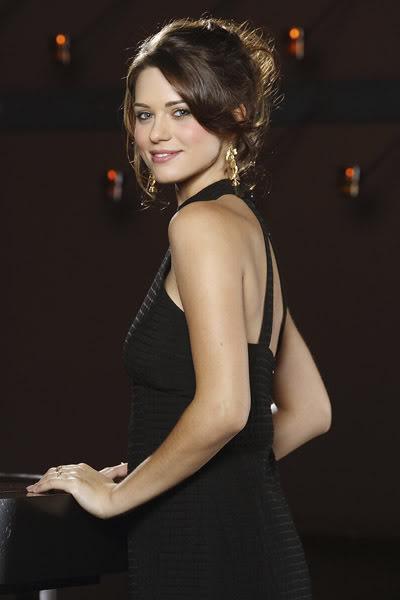 Lyndsy Fonseca Sweet Smile Pics