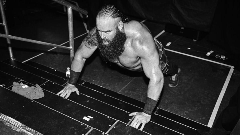 Braun Strowman In Gym HD Wallpapers
