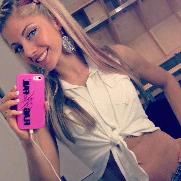Alexa Bliss Beautiful Smile Images