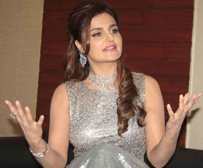 Indian Actress Monica Bedi Pictures