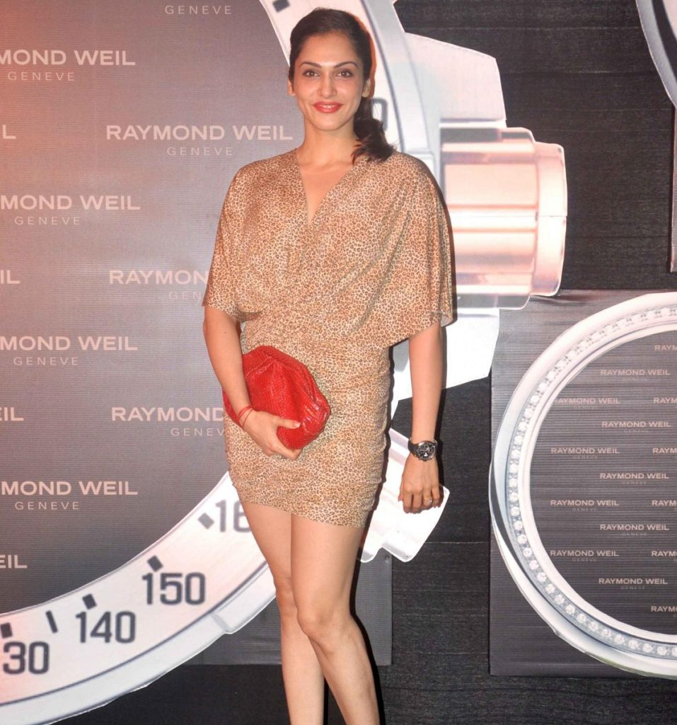 Isha Koppikar Hot Pics In Short Clothes