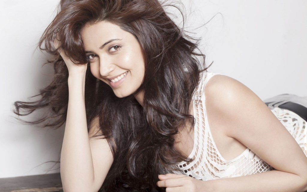 Karishma Tanna Lovely Pictures